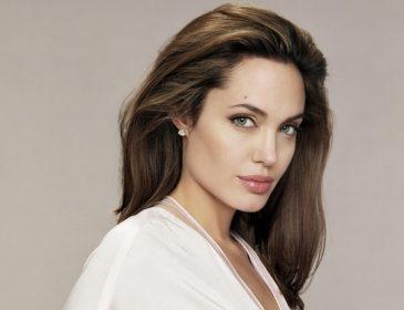 «Вляпалась у міжнародний скандал»: Люди починають скаржитися на роботу Анджеліни Джолі