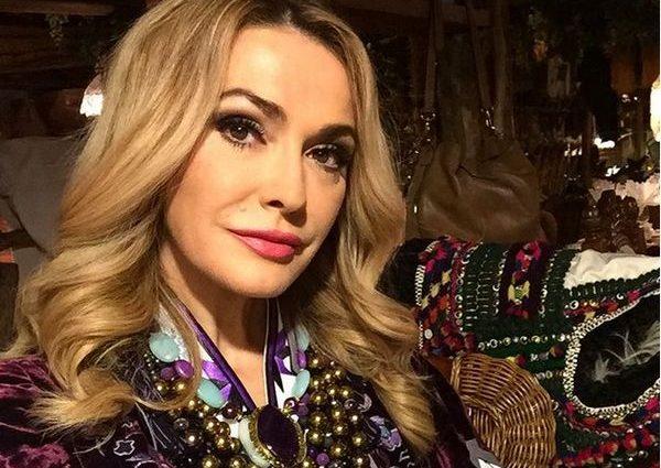 «Як підліток»: Ольга Сумська вразила шанувальників обличчям без макіяжу