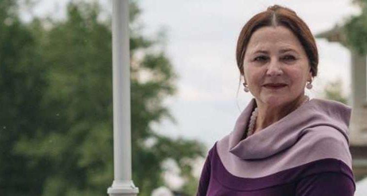 У шкіряному корсеті і з рожевим волоссям: 70-річна Ніна Матвієнко вразила глядачів новим образом