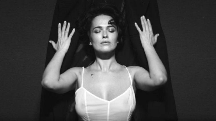 «Жінка, зупинись»: Костюм Даші Астаф'євої викликав неоднозначну реакцію в мережі
