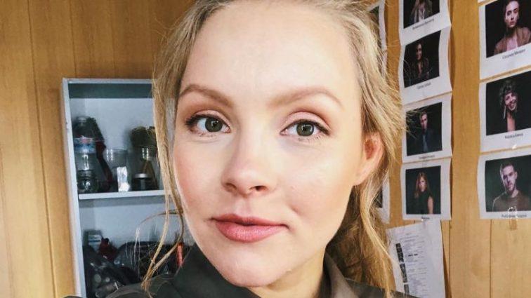 Вагітна Олена Шоптенко похвалилася своїм кругленьким животом