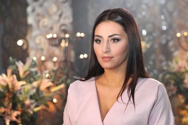 «Немов Білосніжка»: Екс-холостячка Роза Аль-Намрі з'явилася у дивовижному образі