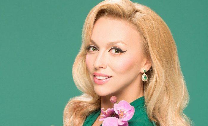 «Без усіх цих прибамбасів»: Оля Полякова здивувала фанів новим фото. Такою її бачив лише чоловік