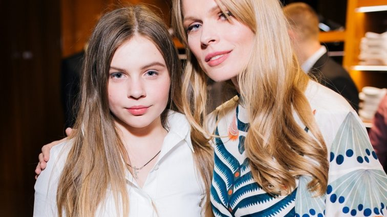 «Одяг для підлітків , а ціни для мажорів…»: 13-ти річна дочка Фреймут створила власний бренд