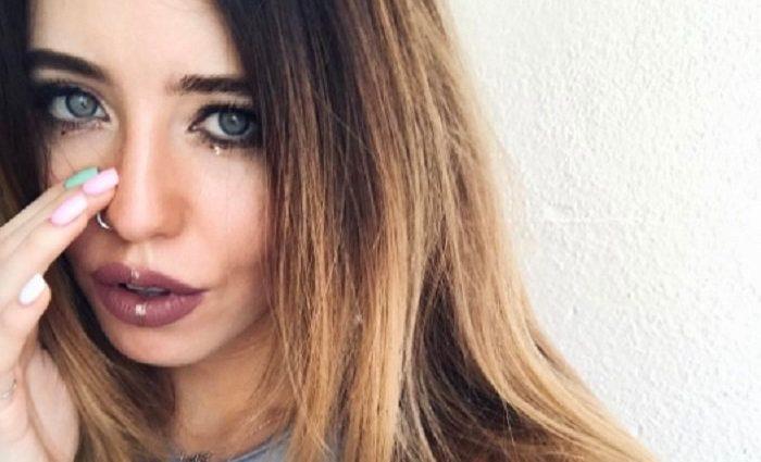 «Пора збрити вуса …»: Новий знімок Дорофеєвої викликав обурення у прихильників