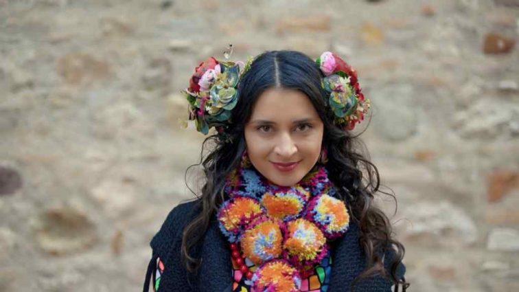 «Розбили скло і викрали …»: Популярну українську співачку Марину Тимофійчук обікрали прямо на зйомках