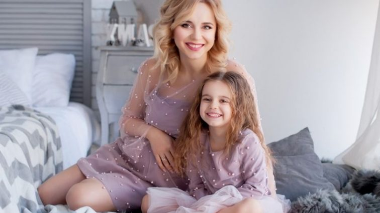 «Так ніжно ставиться до своєї сестрички …»: Лілія Ребрик відверто розповіла, як її дочка поставилась до новонародженого малюка
