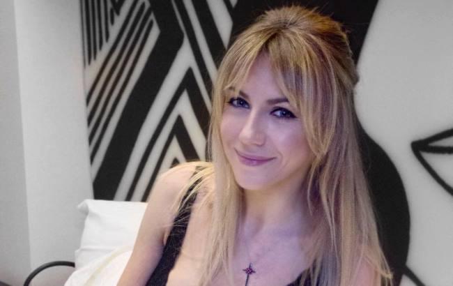 «Оце так виріз!»: Леся Нікітюк «засвітила» своє декольте у Каннах