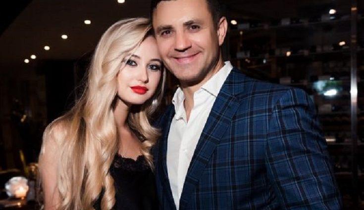 Дружина Миколи Тищенка відверто відповіла на чутки про свою вагітність