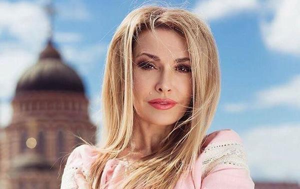 З романтичної блондинки в шатенку: Ольга Сумська кардинально змінила імідж