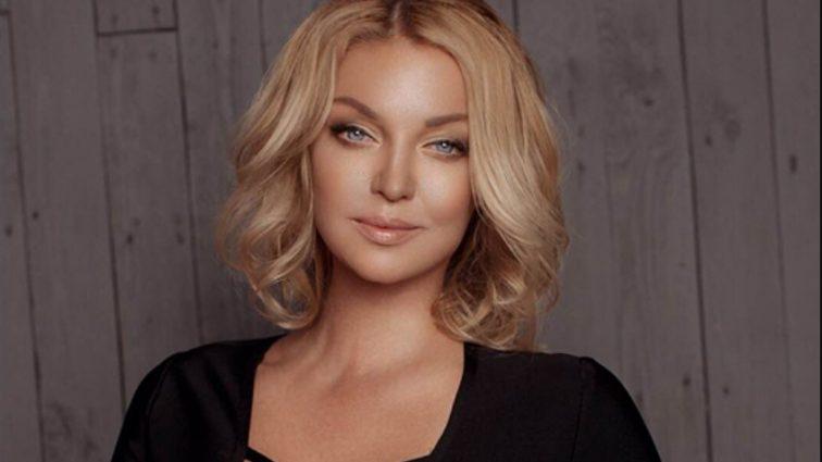 Забула дещо одягнути: Анастасія Волочкова показала відверте фото в пікантній позі