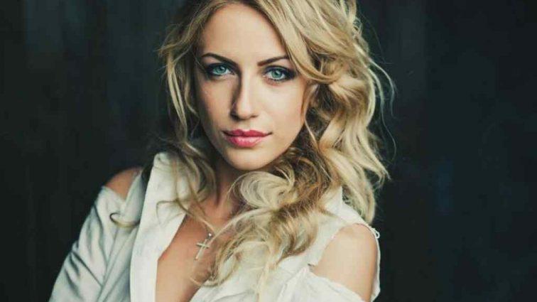Леся Нікітюк похвалилась своїм «сталевим» пресом
