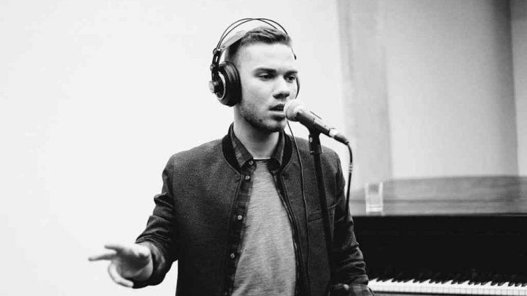Музикант у четвертому поколінні: Вся правда про особисте і творче життя фіналіста «Голосу» Владислава Каращука