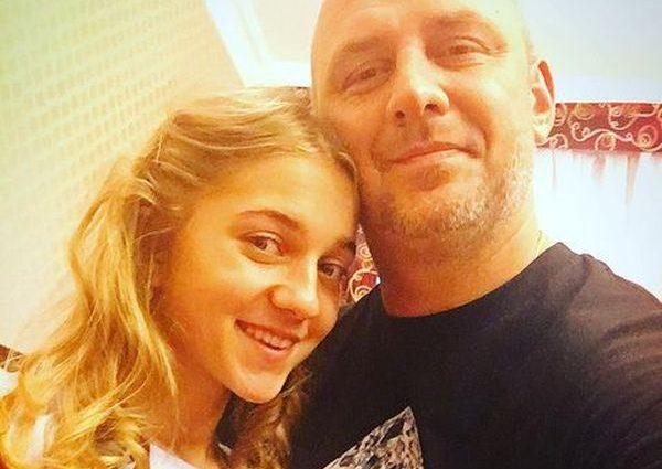 «Тато буде не в захваті»: Прийомна дочка Потапа похвалилася пікантними фотографіями