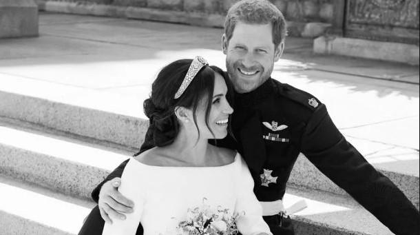 Принц Гаррі і Меган повертають весільні подарунки. Дізнайтесь причину