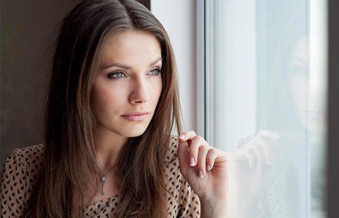 «Схожа на Джолі»: Антоніна Паперна підкорила шанувальників стильним вбранням