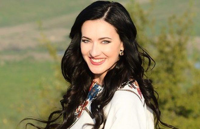 «Як по справжньому!!!»: Соломія Вітвіцька показала ніжне фото з коханим чоловіком
