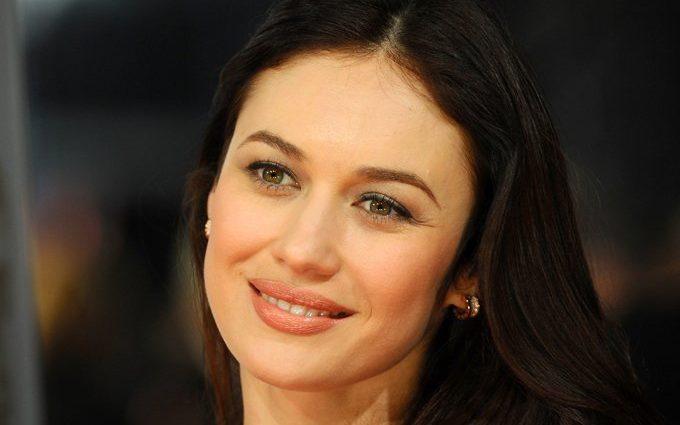 «Вона легенда, і виглядає чудово!»: Ольга Куриленко кардинально змінила свій імідж