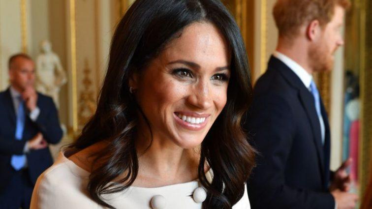 «Було б жахливо, якби…»: Королівська сім'я не знає як позбавитись тата Меган Маркл
