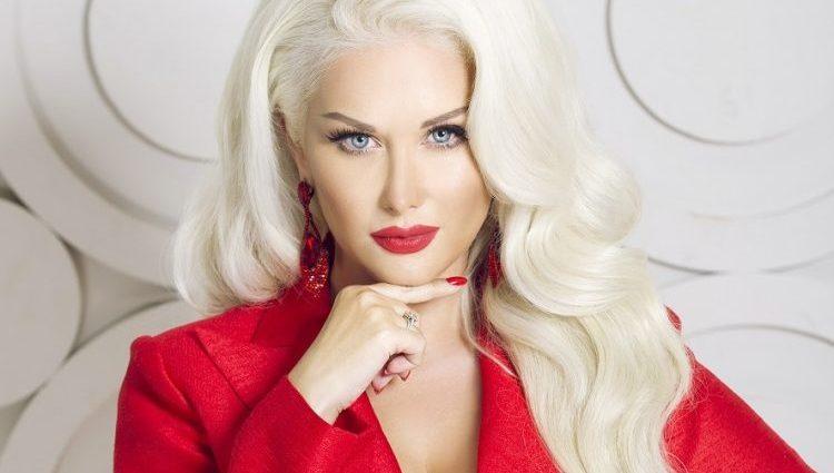 «Неймовірна велич!»: Катя Бужинська вразила шанувальників розкішним образом княгині
