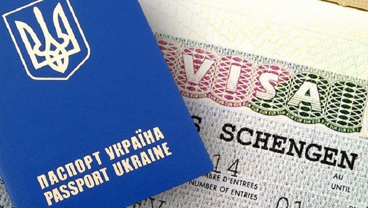 «Розвернули назад і внесли в чорний список»: Відомому українському продюсеру та композитору заборонили в'їзд в ЄС