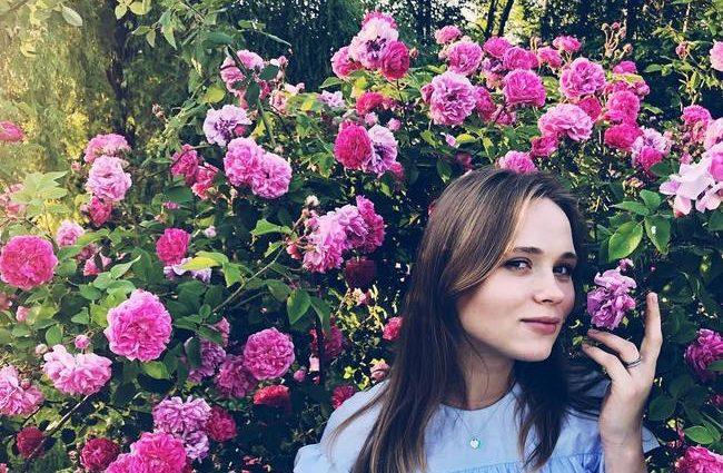 «А де животик?»: Анна Кошмал змінила імідж і вразила шанувальників новим фото