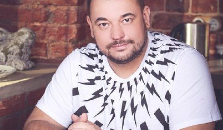 «Встаю, пересуваюсь»: Лідер гурту «Руки вгору» Сергій Жуков переніс серйозну операцію