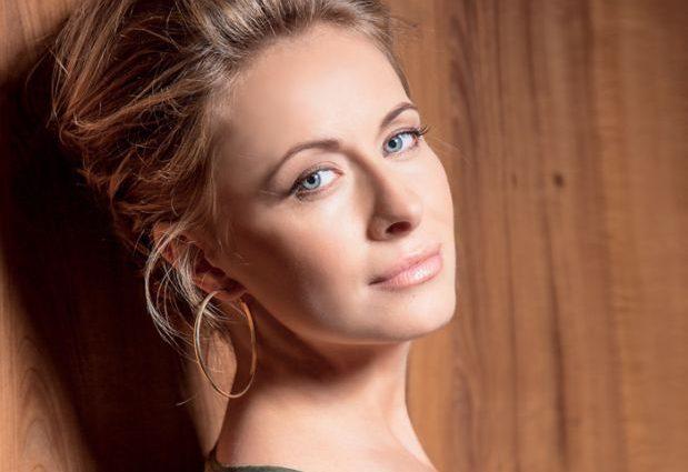 «Нова Мерлін Монро»: Олена Кравець вразила шанувальників чарівним образом