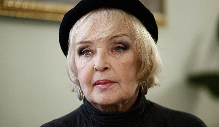 «Щастя бачити внуків своїх дітей»: Знаменита актриса Ада Роговцева стала прабабусею