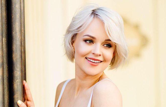 «У компанії відомого актора»: Ольга Лук'яненко показала фото у неймовірній весільній сукні