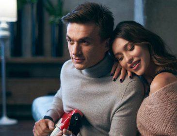 «Одружилися?»: Регіна Тодоренко та Влад Топалов показали обручки на безіменних пальцях