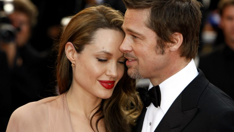 Анджеліна Джолі залишиться жінкою Пітта ще принаймні на рік