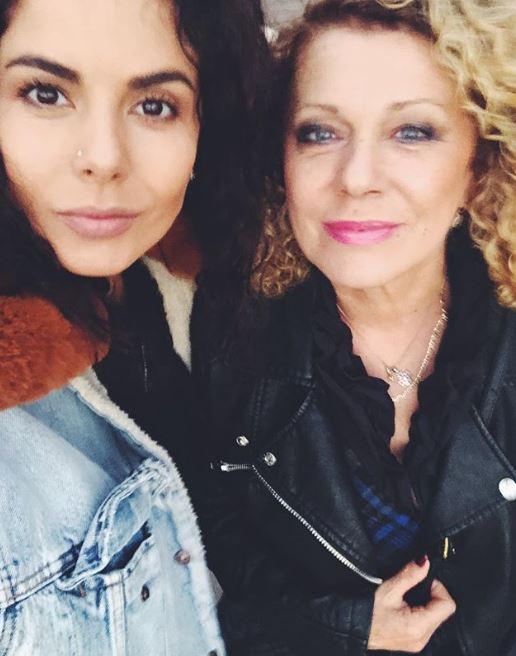 «Як актриса Голлівуду»: Настя Каменських поділилась світлиною в компанії своєї матусі