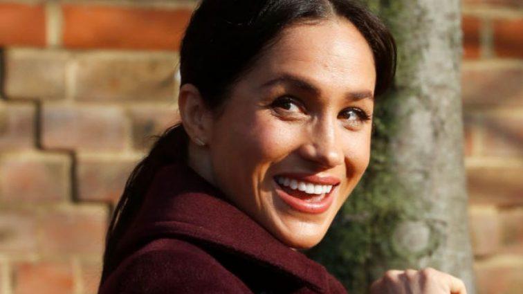 Королівська доброчинність: Меган Маркл особисто нагодувала 200 бездомних