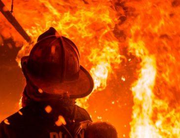 Зоряна родина була змушена екстрено покинути свій будинок через пожежу