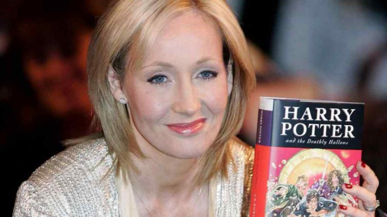 Авторка «Гаррі Поттера» Джоан Роулінг розповіла, про смерть якого героя з фільму найбільше шкодує