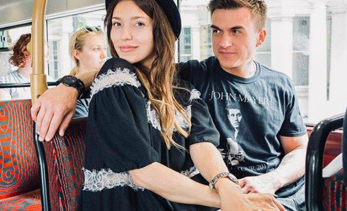 «Ураааа!»: Влад Топалов показав рідкісне фото з дружиною і не тільки