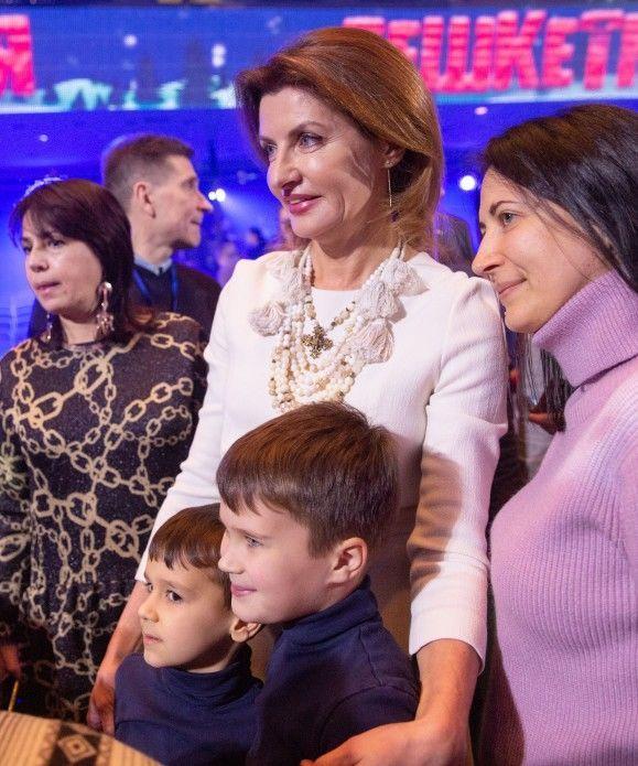 «Просто неймовірна!»: Марина Порошенко вийшла у світ і зачарувала новим образом