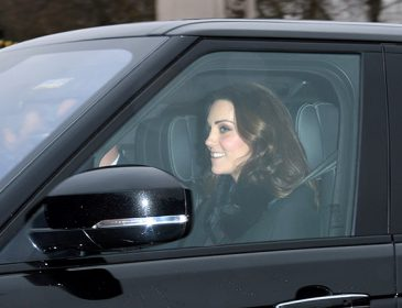 «Щаслива»: Кейт Міддлтон помітили за кермом розкішного автомобіля в Лондоні