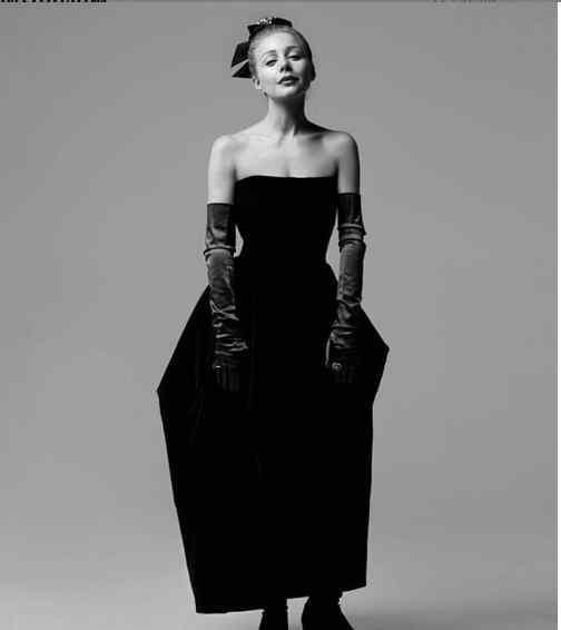 «Красиво. Елегантно. Жіночно»: Тіна Кароль вразила красою на нових фото
