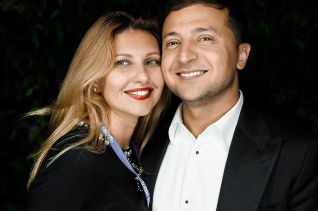 Завжди і у всьому разом з дружиною: Володимир Зеленський показав відео із з'їзду його команди