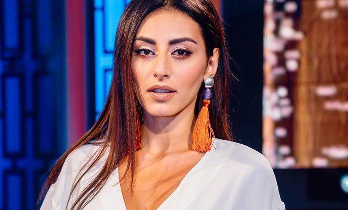 «Так має виглядати жінка, коли зустрічає чоловіка»: Роза Аль-Намрі приголомшила шанувальників незвичним образом