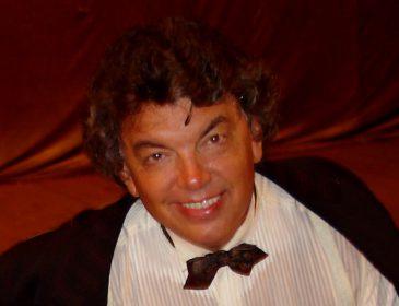 Він полюбився за пісні «Очі чорні» і «Три білих коня»: знаменитий співак і актор помер