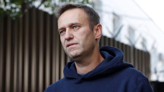 Путін переконував Макрона, що Навальний міг сам прийняти «Новачок», той вже відреагував
